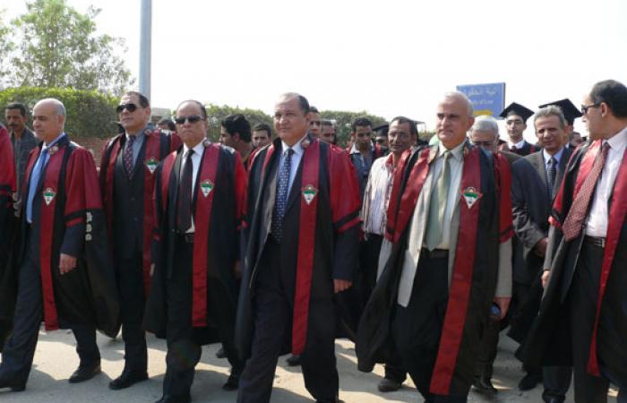 تخريج دفعة جديدة من  كلية الحقوق  جامعة طنطا