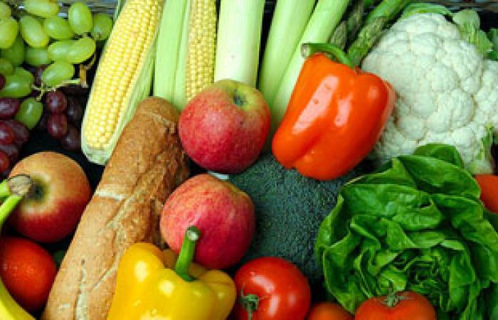 الخضروات والفاكهة تحمى المرأة من الشعور بالتعب والإرهاق