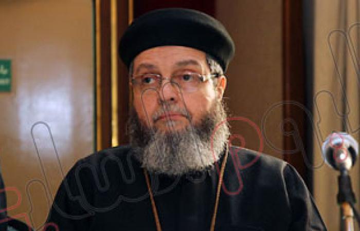 أمين مجلس كنائس مصر يعزى أسر شهداء العريش