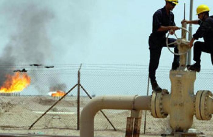 إیران بصدد رفع طاقتها الإنتاجیة من النفط إلی 4 ملایین برمیل یومیا