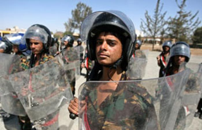 مسئول يمنى: اعتقال زعيم منفذى الهجوم على مجمع وزارة الدفاع