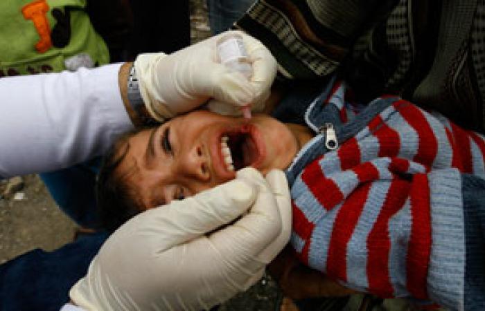 """صحة غزة تبدأ قريبا حملة لتطعيم 300 ألف طفل ضد """"شلل الأطفال"""""""