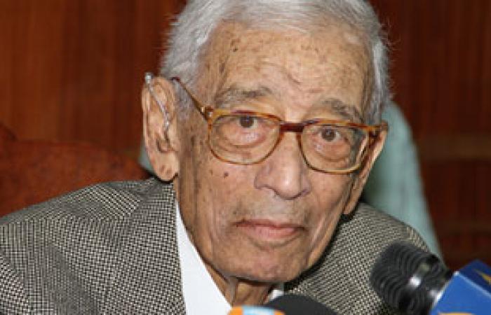 """بطرس غالى: """"مبارك"""" و""""مرسى"""" يتحملان مسئولية تدهور أوضاع البلاد"""