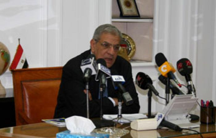 رئيس مدينة العبور يطالب وزير الإسكان بوحدات لعمال المنطقة الصناعية