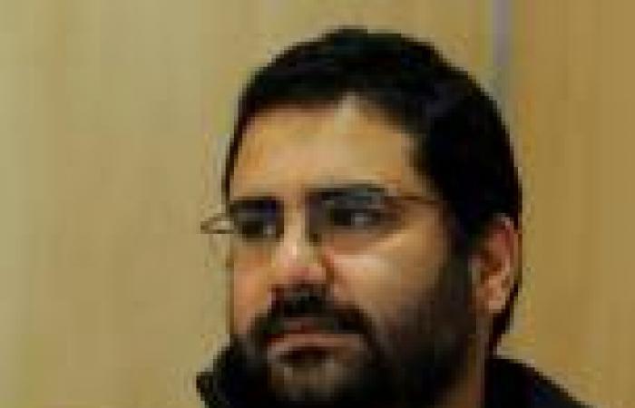 علاء عبدالفتاح: «مظاهرة الشورى» كانت سلمية.. وتعرضت للضرب أثناء القبض عليّ