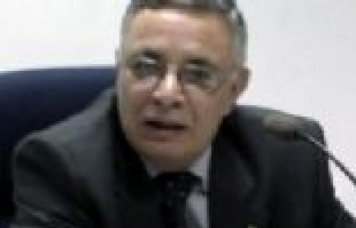 محافظ سوهاج يناقش ما تم إنجازه في كوبري طما العلوي على النيل