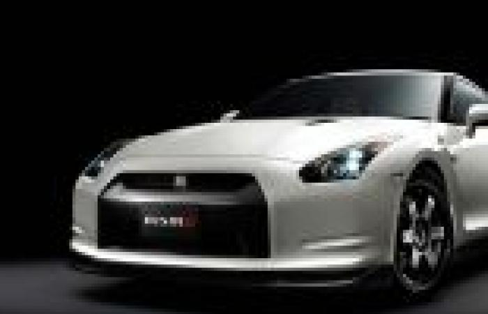 «نيسان» تطلق نسخة معدلة من «GT-R Nismo»