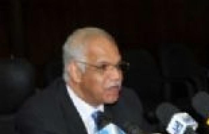 محافظ القاهرة يدشن حملة لإزالة العبارات المسيئة وأخرى لتتبع المخالفات العقارية