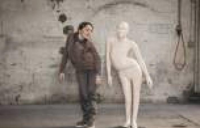 بالصور .. منظمة سويسرية تصمم «مانيكانات» خاصة بذوي الإعاقة