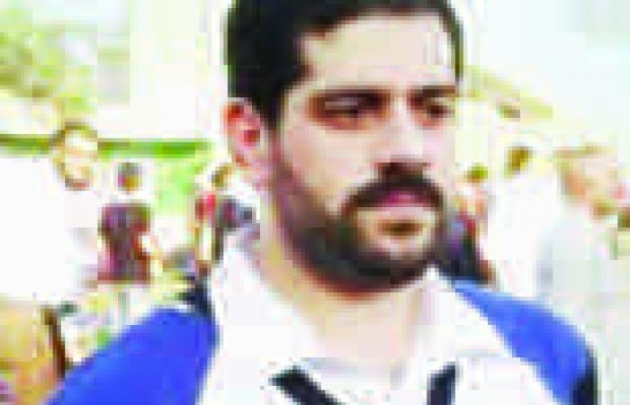 """نجل """"مرسي"""" يشارك في سلسة بشرية لـ""""الإخوان"""" بطريق """"الزقازيق- بلبيس"""""""
