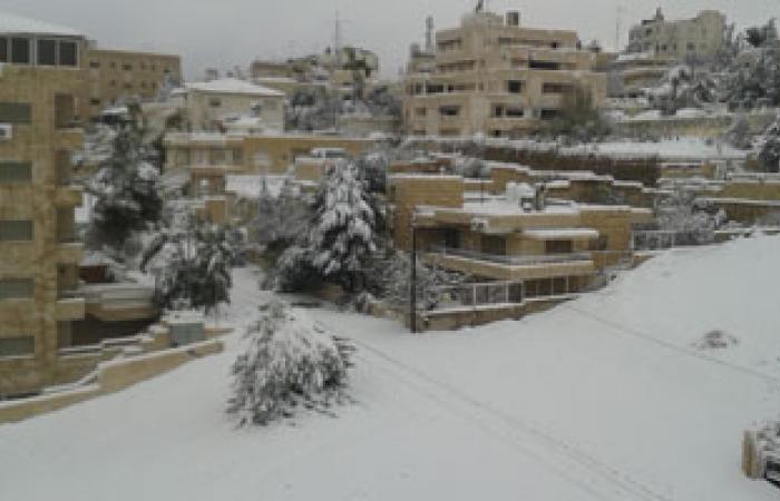 مدارس وجامعات وطرق الأردن مغلقة بأوامر الثلوج والضباب