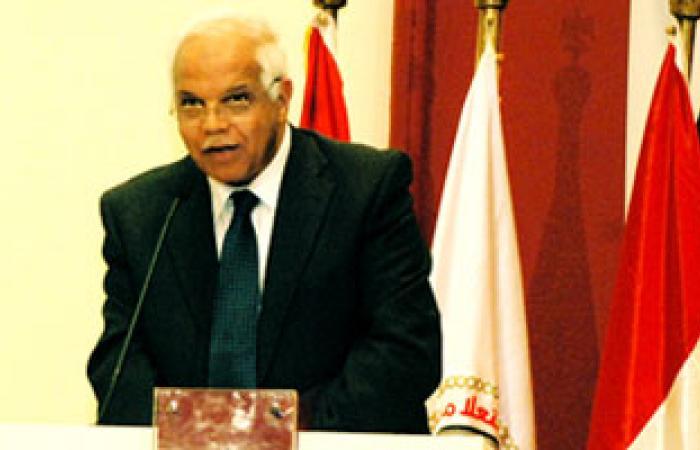 """محافظ القاهرة يطالب """"النيل والأهرام"""" بفتح منافذ بيع الخضر والفاكهة"""