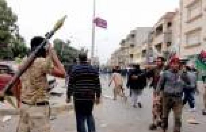 مسلحون يختطفون 7 عاملين بالغرفة المركزية لتوزيع كهرباء ليبيا