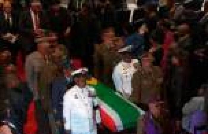 بالصور.. مراسم تشييع جثمان «مانديلا» في مسقط رأسه بـ«كونو»