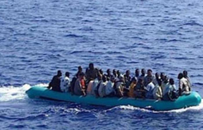 إنقاذ 92 مهاجرًا أفريقيًا قبالة طرابلس