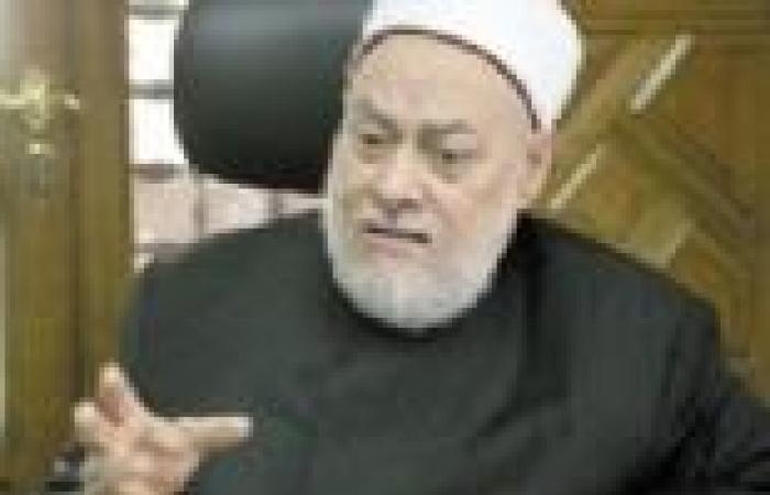 """أحد علماء """"الأوقاف"""": فتوى علي جمعة بتأييد الله للدستور مرجعها """"يد الله مع الجماعة"""""""