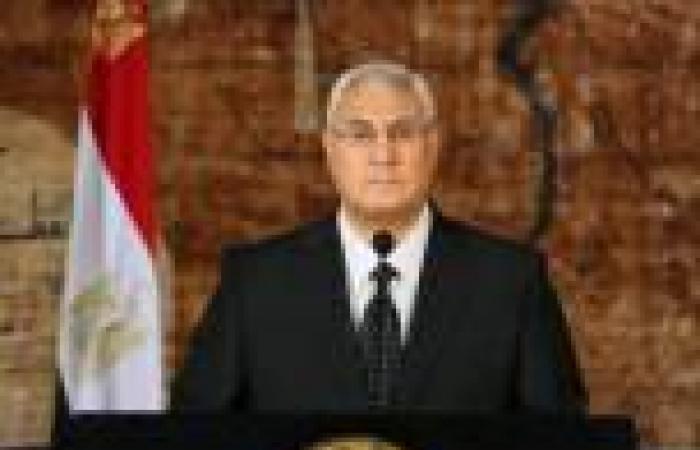 الرئيس المؤقت يعد بدعم حملة «مصر الدفيانة»: «ميرضنيش حد يكون بردان»