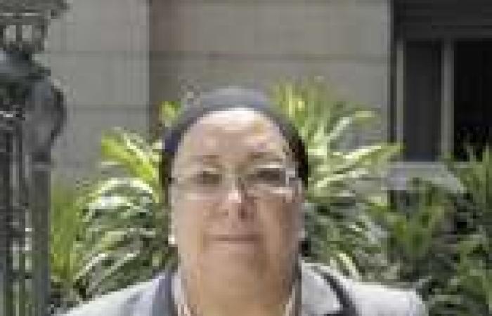 وزيرة الصحة تستقبل وفد مشايخ قبائل شمال سيناء لبحث احتياجاتها الصحية