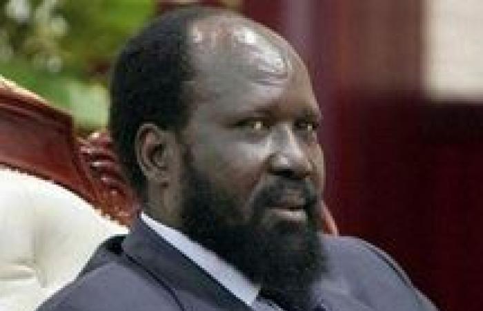 رئيسا وفدي أزمة جنوب السودان يتصافحان لأول مرة منذ وصولهما لأديس أبابا