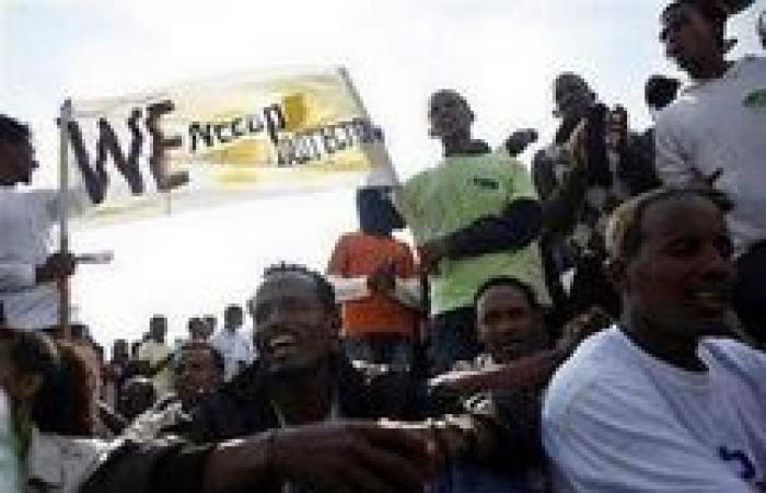 «يديعوت أحرونوت»: آلاف الأفارقة يتظاهرون وسط تل أبيب لنيل «اللجوء السياسي»
