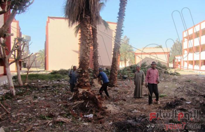 مجلس مدينة بنى سويف يشارك فى نظافة المدرسة الثانوية الميكانيكية