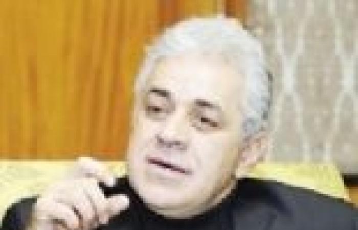 معركة بين جبهة الإنقاذ وأنصار حمدين صباحى