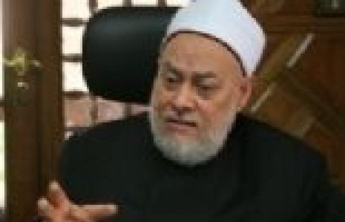 """علي جمعة: """"القرضاوي"""" مصاب بالزهايمر.. وفتواه بخصوص الدستور لا يؤخذ بها"""