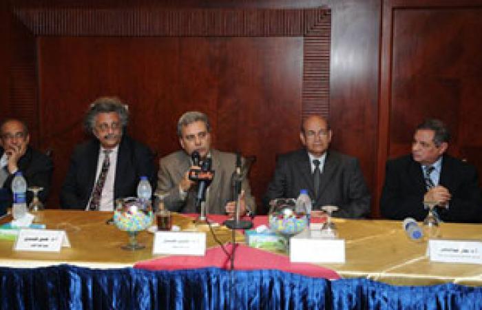 جابر نصار: جامعة القاهرة حريصة على دورها المجتمعى بجانب التعليمى