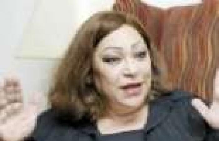 السفيرة منى عمر: المشاركة في الاستفتاء على الدستور واجب وطني