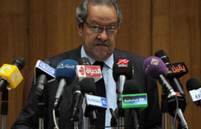 منير فخرى عبد النور يعود إلى القاهرة قادمًا من الخرطوم