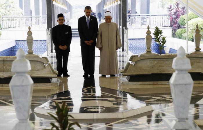 أوباما لإمام ماليزيا: ادع لي لوقف قمع المسلمين حول العالم