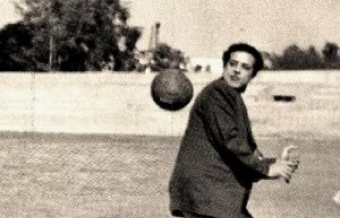 """في الذكرى الـ 102 لميلاده .. 15 صورة نادرة لـ """"شكوكو"""""""