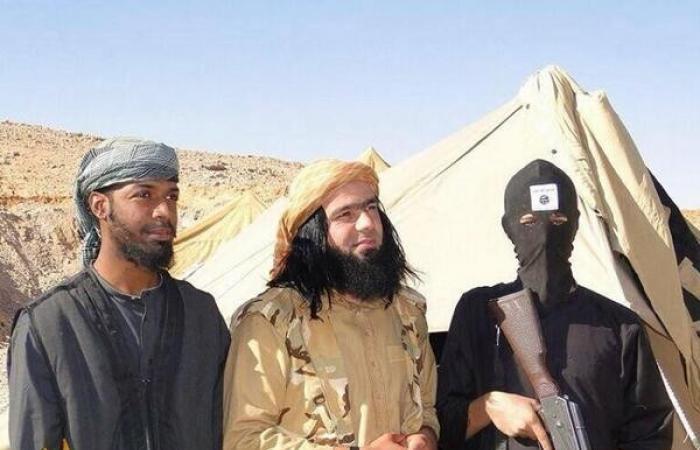 بالفيديو والصور.. أمير «داعش» الأنيق الذي أخرج فتيات التنظيم عن حيائهن