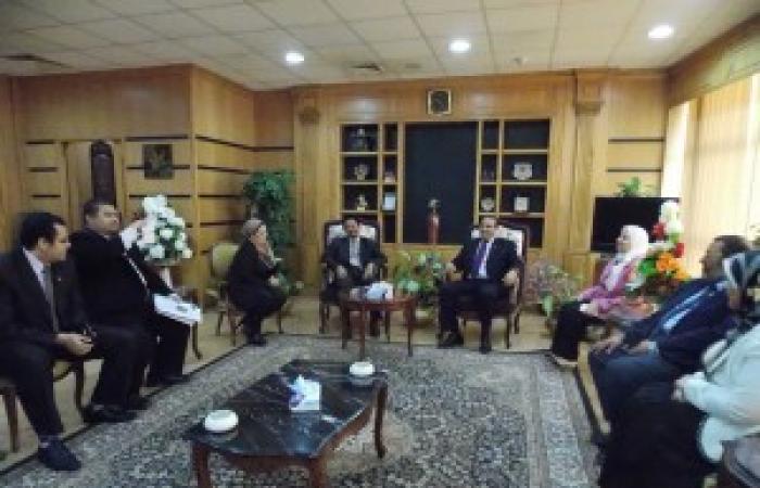 رئيس جامعة المنصورة يلتقى وفد السفارة الماليزية