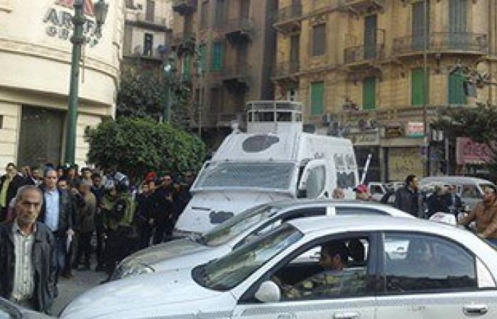 حملة أمنية مكبرة بميدان طلعت حرب لإزالة الإشغالات وضبط الحركة المرورية