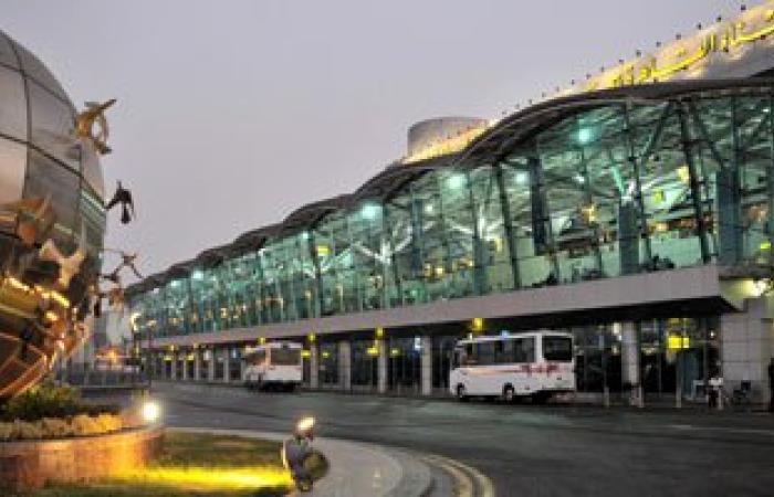 مطار القاهرة يستقبل 261 مصريا عائدين من ليبيا فى رابع رحلات مصر للطيران