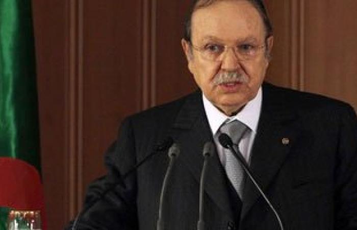 الرئيس الكينى يصل إلى الجزائر