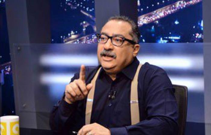 """إبراهيم عيسى:أفيقوا الإخوان يلعبون لعبة القرود على """"الفيس"""" وتساقون خلفهم"""
