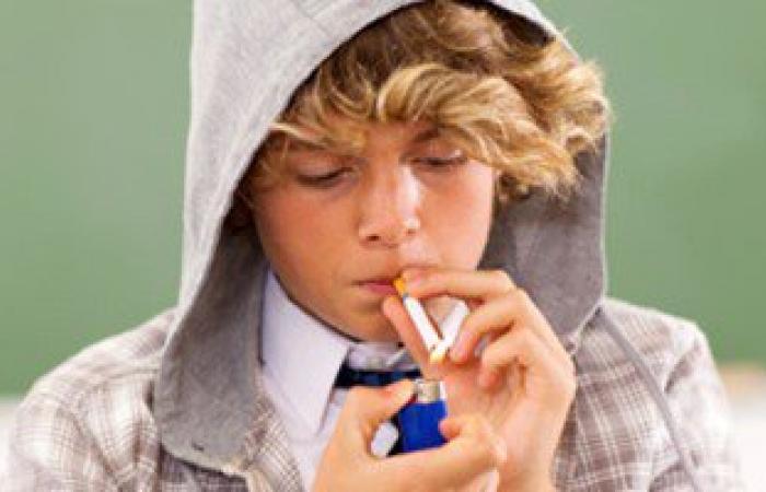 منظمات بريطانية: عادة التدخين المدمرة تودى بحياة نصف مليون طفل