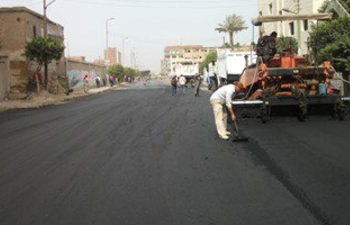 بدء أعمال رصف الطرق الداخلية بمركز بلاط بتكلفة إجمالية 2,9 مليون جنيه