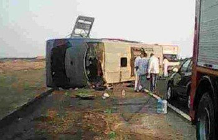 إصابة 10 من قوة أمنية بحادثى انقلاب سيارتين بوسط سيناء