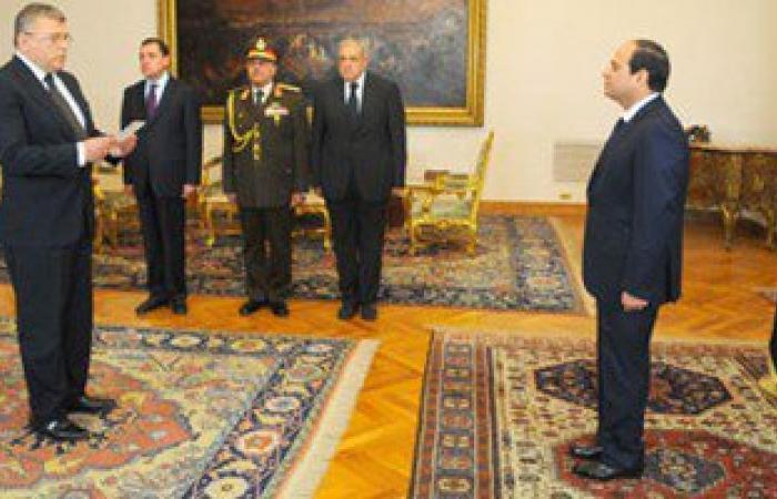 وزير الاتصالات يستهل مهام عمله الجديد باجتماع مع قيادات البريد