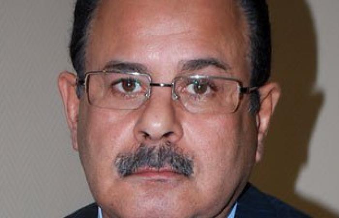 وزير الداخلية يجتمع برئيس قطاع شئون الضباط للاطلاع على هيكل الوزارة