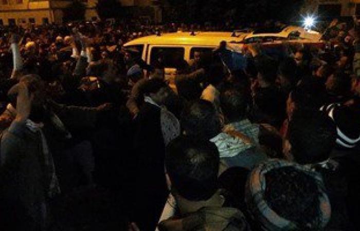 """تشييع جثمان عاملة بمدرسة """"المدينة"""" بطنطا وطفليها ضمن ضحايا رحلة الموت"""
