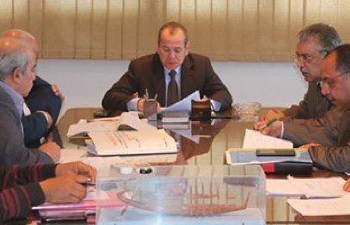 محافظ دمياط يتابع الموقف التنفيذى لمشروعات الخطة الاستثمارية