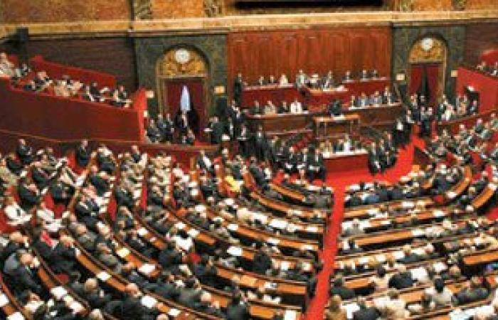 """فرنسا تقر قانون """"حق الموت الرحيم"""" للمرضى الميئوس شفاؤهم تحت تأثير المخدر"""
