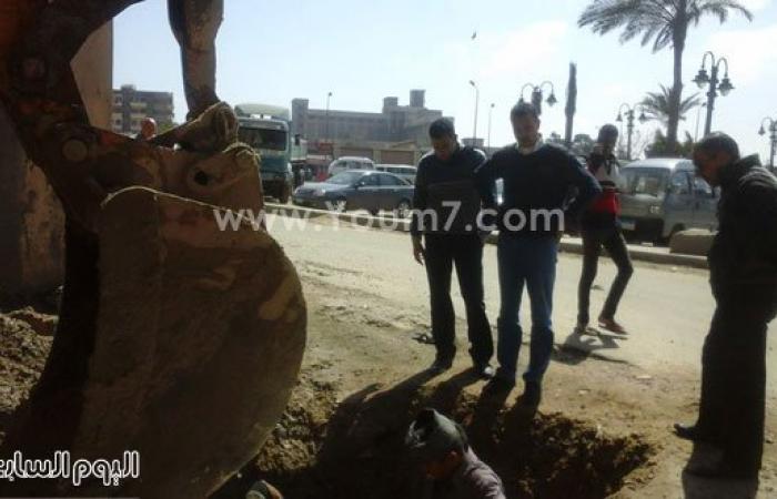 بالصور.. شكوى من أهالى الدخيلة لكسر ماسورة مياه للشرب بالإسكندرية