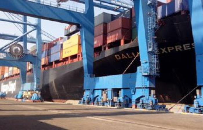 ميناء دمياط يستقبل 4673 طن زيت طعام