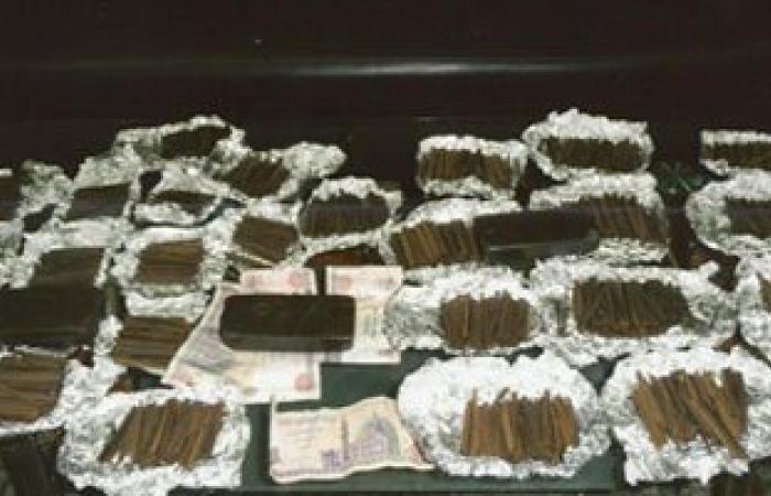 تجديد حبس عامل 15 يوما لاتجاره فى المخدرات بسوهاج