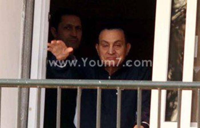 """""""آسف ياريس"""" تنشر أول فيديو لـ""""مبارك"""" من داخل غرفته بمستشفى المعادى"""